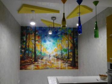 художественная роспись стены с гипсовым рельефом